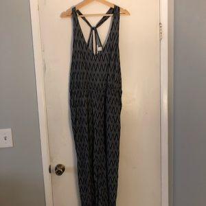 NWOT H&M jumpsuit with pockets